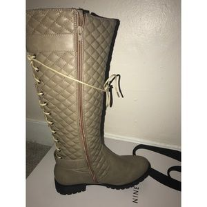 NWT LA COLLECTION BOOTS -NEVER WORN Retail $250